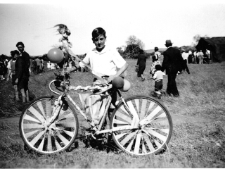Chapman Valley Show Don Bunter decorated bike 1950