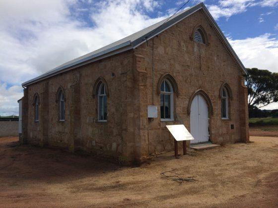 Naraling church hall
